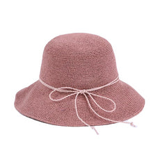Laden Sie das Bild in den Galerie-Viewer, Pink Straw Hat
