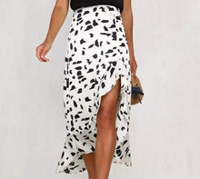 Laden Sie das Bild in den Galerie-Viewer, Phoebe Midi Skirt