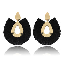 Laden Sie das Bild in den Galerie-Viewer, Tassel Earring