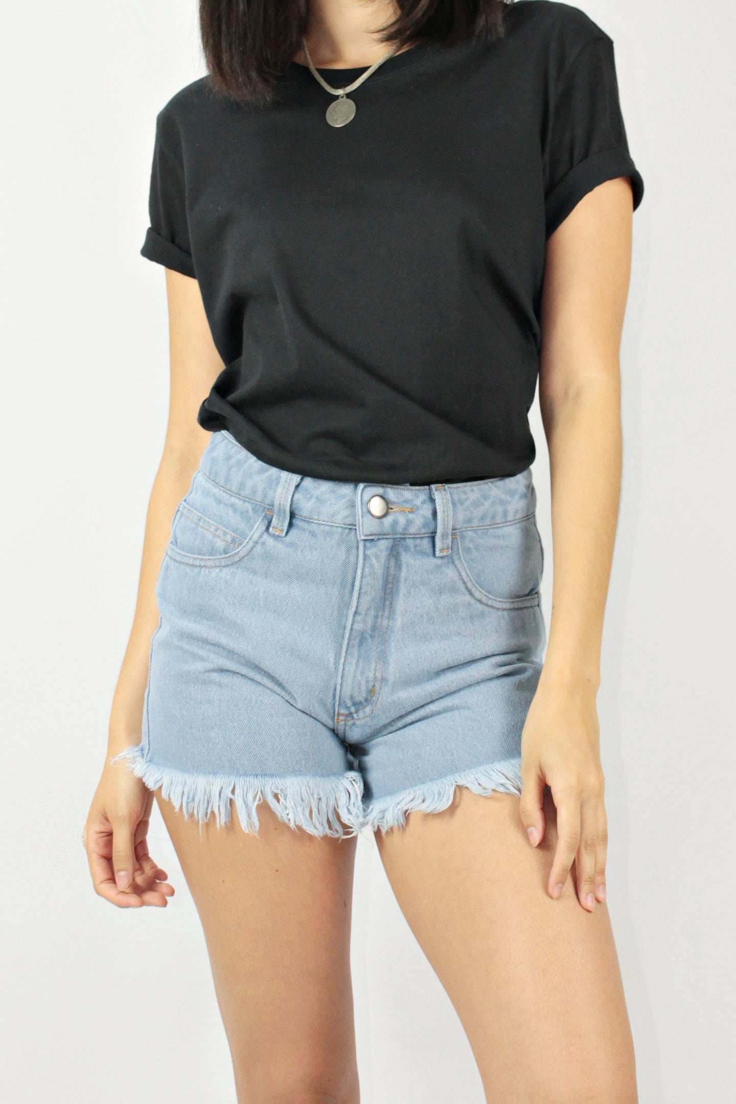 Shorts Mom Jeans Barra Desfiada