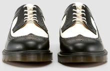 Load image into Gallery viewer, 3989 Brogue - Made in England (b&w)