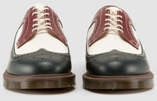 Load image into Gallery viewer, 3989 BWC Brogue - Made in England (brown/navy)