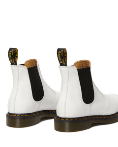 2976 YELLOW STITCH SMOOTH CHELSEA BOOT (wht)
