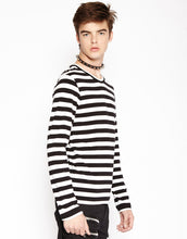 Load image into Gallery viewer, STRIPE KNIT TOP (b&w)