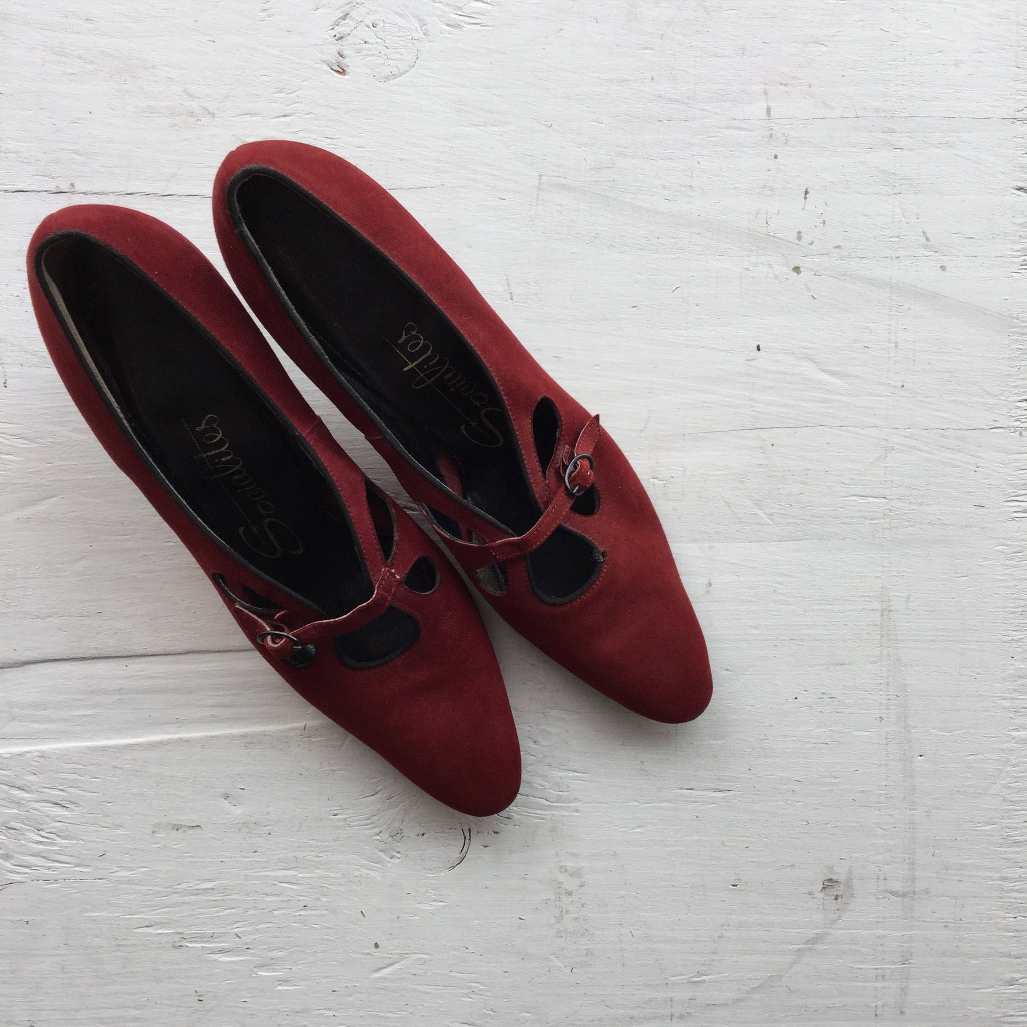 Socialites 1960s Suede Pumps | US 8