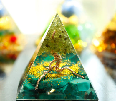 (BEST-SELLING) Tree of Life Peridot & Malachite Crystal Energy Chakra Orgone Pyramid
