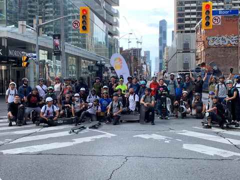 Group shot of open streets TO esk8 group ride