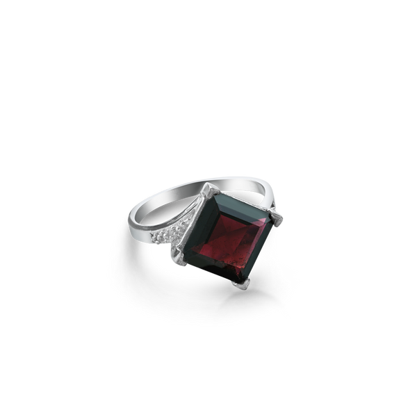 STERLING SILVER RING SET WITH A GARNET Montreal jewellery designer  www.elysee.ca