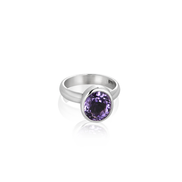 Sterling Silver ring set with amethyst from your montreal jewellery designer, www.elysee.com