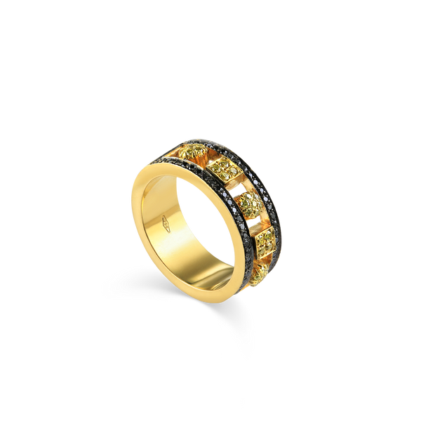 18K Yellow Gold Band set with Black and White Diamonds, Exclusive Designer Rings from Montreal Jewellery designer Bijouterie Élysée