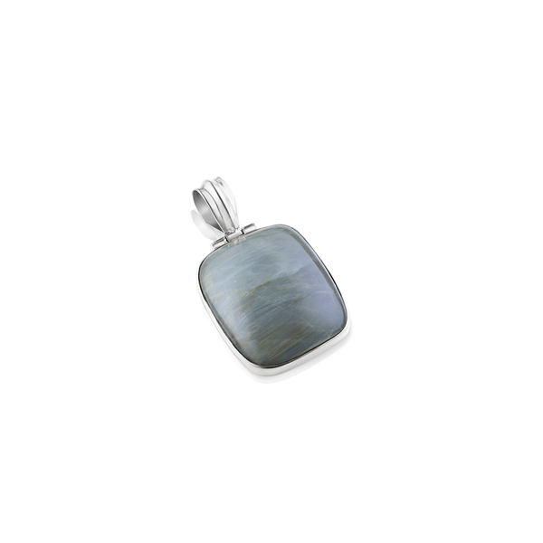 GREY AGATE PENDANT IN SILVER, gray pendant, gray agate, silver gray agate, silver jewelry, Montreal jeweller, Montreal jewelry gifts, Montreal custom made, gemstone and silver, silver and gray stone, fall trends in jewelry, winter jewelry