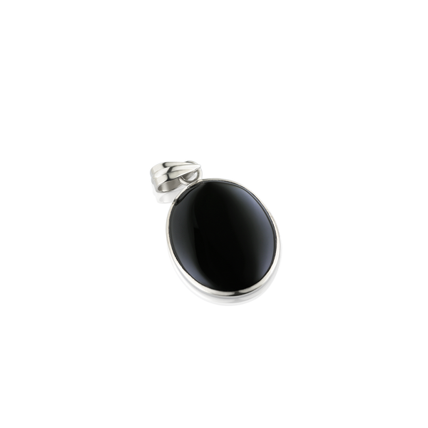 Oval Cabochon Black Onyx pendant set in silver, Silver black onyx pendant, pendant in silver, black stone pendant, Montreal jewellery, Montreal jewelry, jeweler designer in Montreal, black onyx pendant, oval pendant, oval black onyx, oval black stone, gemstone and silver, black pendant. pendantif noir, pendantif onyx noir