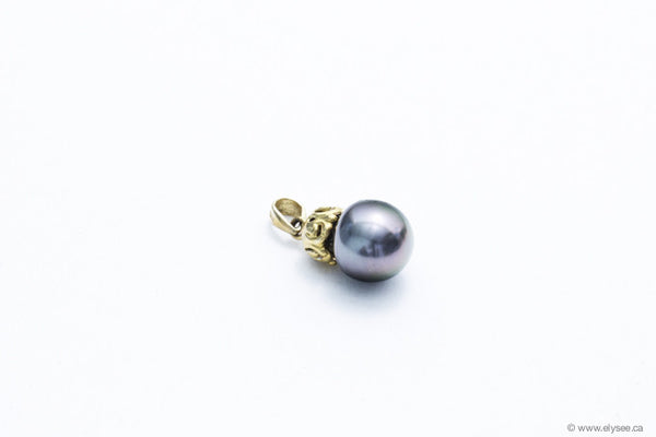 14K Yellow gold and tahitian pearl pendant from Montreal jewellery designer.