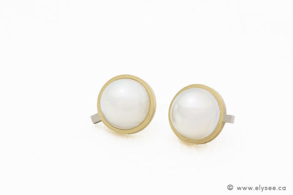 18K YELLOW GOLD EARRINGS WITH MABÉ PEARLS, white mabé pearls,  pearl earrings montreal, montreal pearls and gemstones, white mabé pearls, 18K yellow gold and pearl earrings