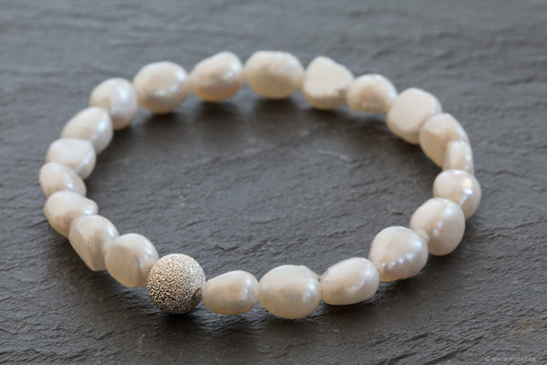 Baroque freshwater pearl bracelet designed by your Montreal jewellery designer