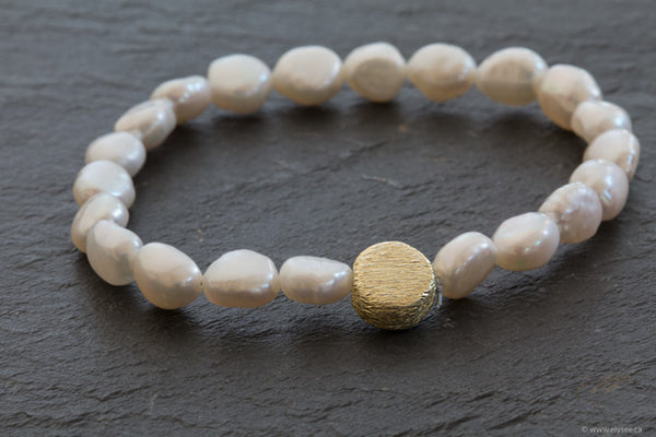 Freshwater pearl bracelet designed by montreal jewellery designer