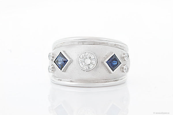 14K White gold, diamonds and sapphire ring. Blue sapphire ring montreal jewellery designer