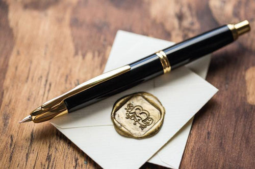 Pilot Capless aka Vanishing Point Fountain Pen - Black/Gold - with Diamine Ink Bottle - BDpens