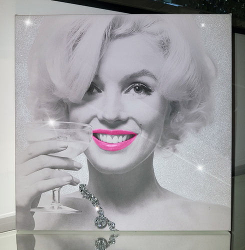 Marilyn Monroe Necklace Pink Lips Champagne