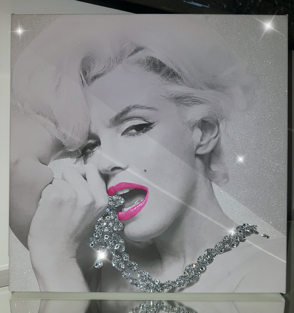 Marilyn Monroe Necklace Pink Lip Seduction