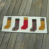 How to make Christmas Stockings table runner pdf tutorial