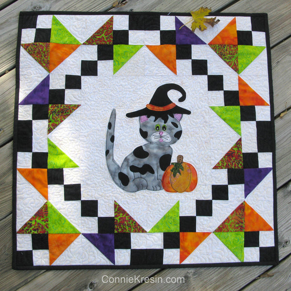 Halloween Kitty Kitty a cute applique quilt pattern, that has full size applique templates and full color diagrams