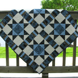 Ohio Star quilt wall hanging with border