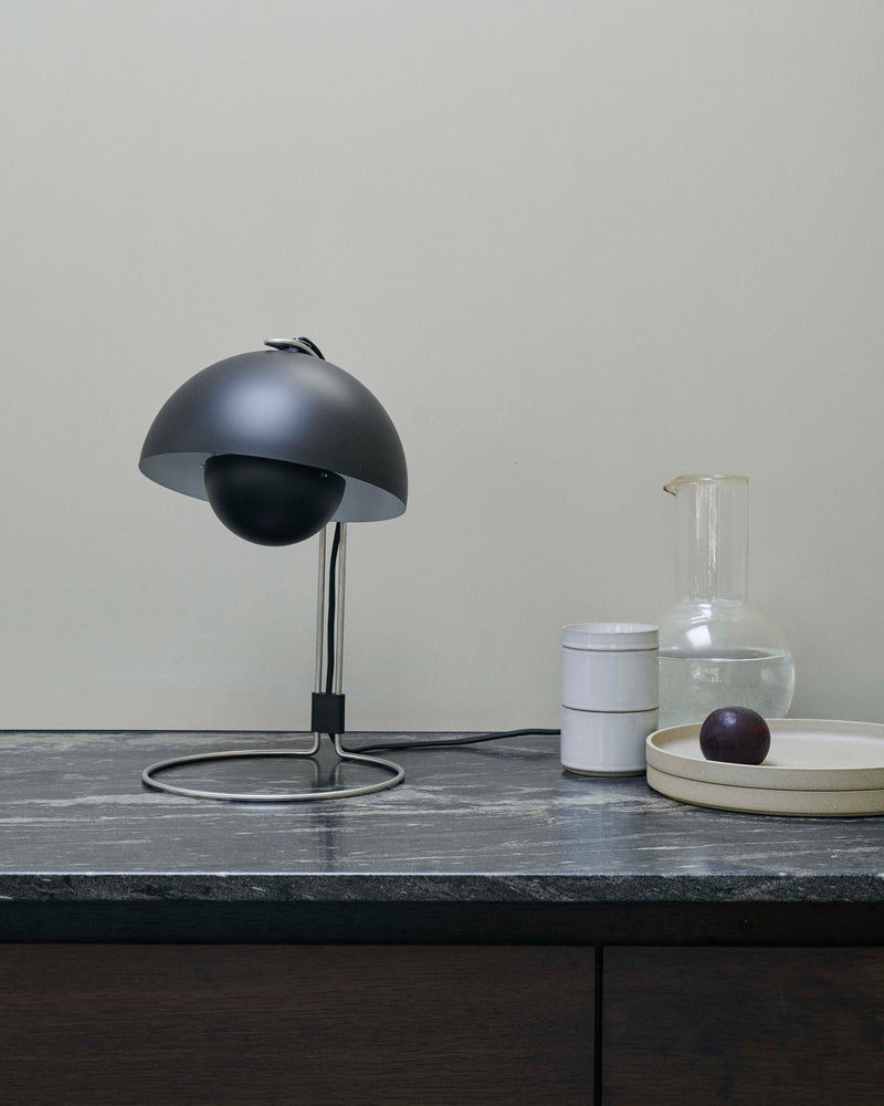 Flowerpot VP4 Table Lamp - Matte Black
