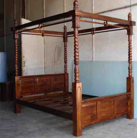 Handcrafted Canopy Beds
