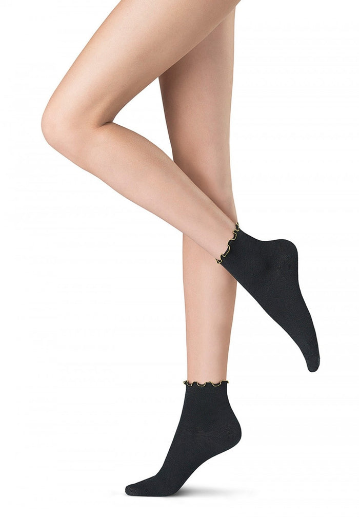 Oroblu Italian Hosiery Abstract Chain Ankle Socks - Starts with Legs