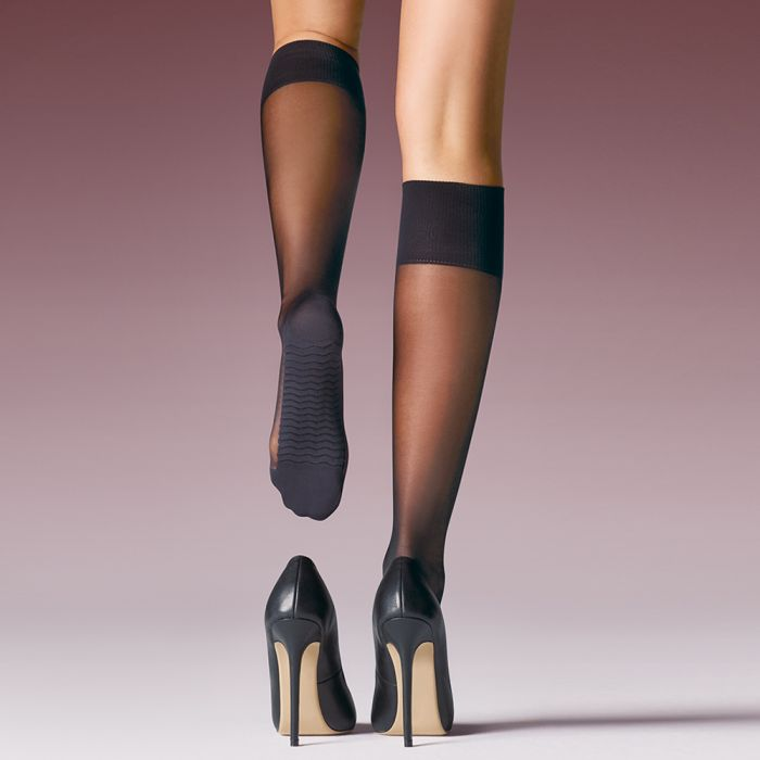Levante MINI MASSAGE Sheer Knee Highs (Comfort All Day)