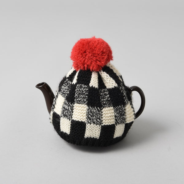 KNITTED TEA COSY RED