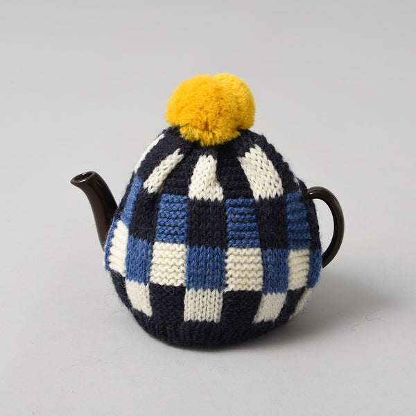 KNITTED TEA COSY YELLOW