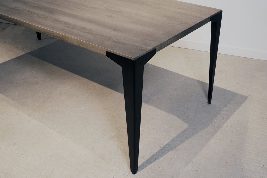 Mango Lurus Straight Edge + Dart Dining Table