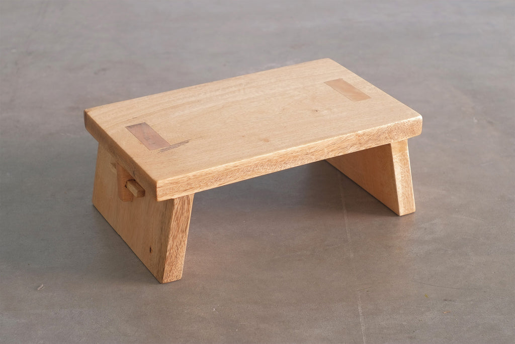 Odonata Step Stool