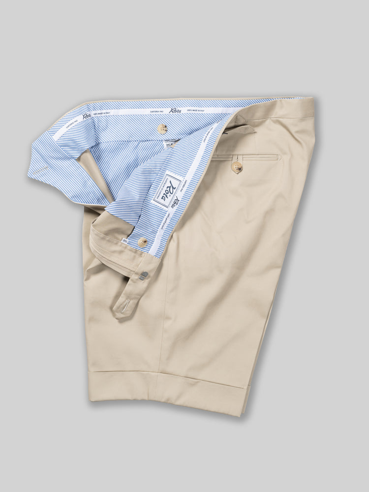 Beige pair of regular fit cotton bermuda