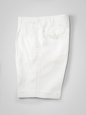 White herringbone pair of regular fit linen bermuda