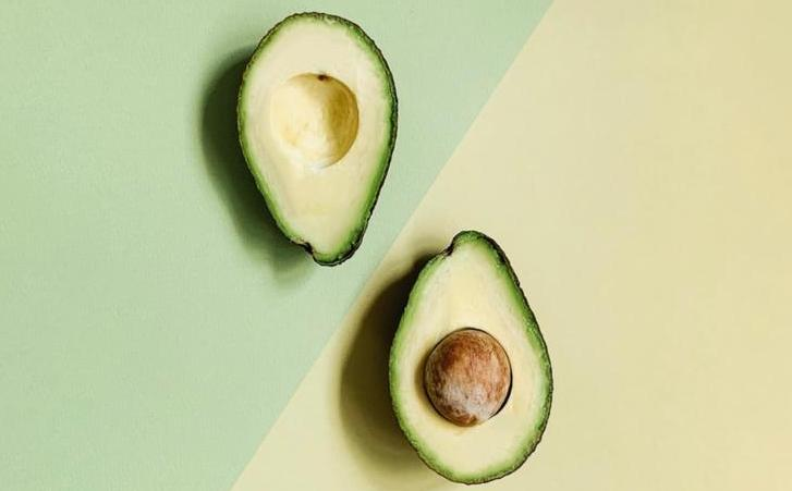 7 REASONS WHY WE ARE OBSESSED WITH AVOCADO OIL
