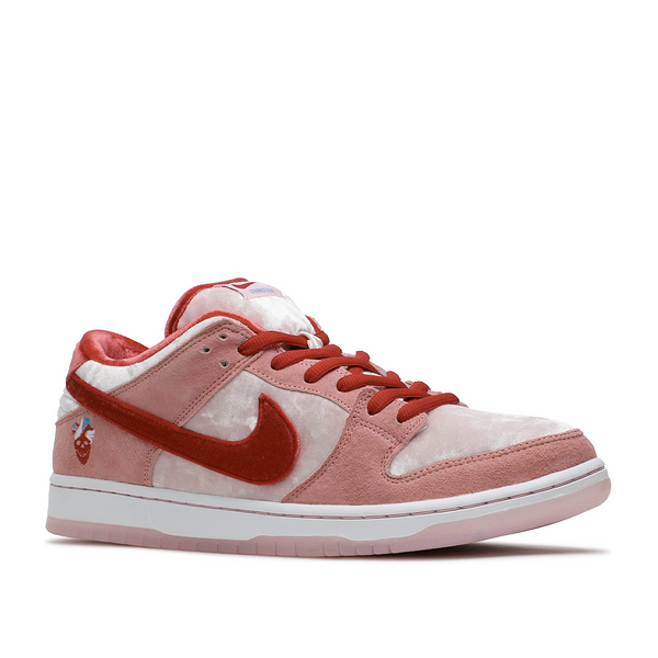 Nike - SB Dunk Low StrangeLove Skateboards