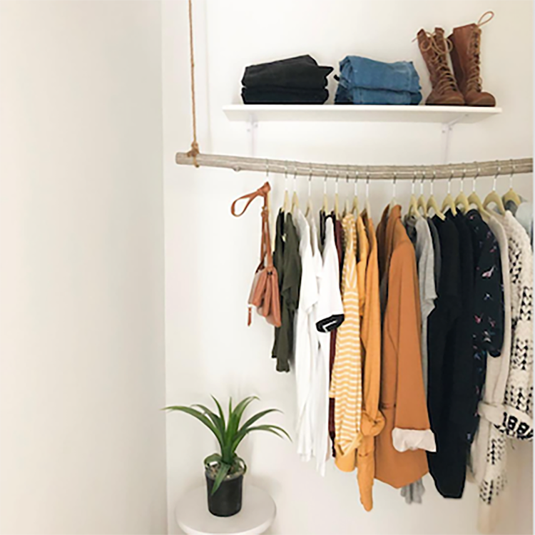 What's the Deal with Capsule Wardrobes?
