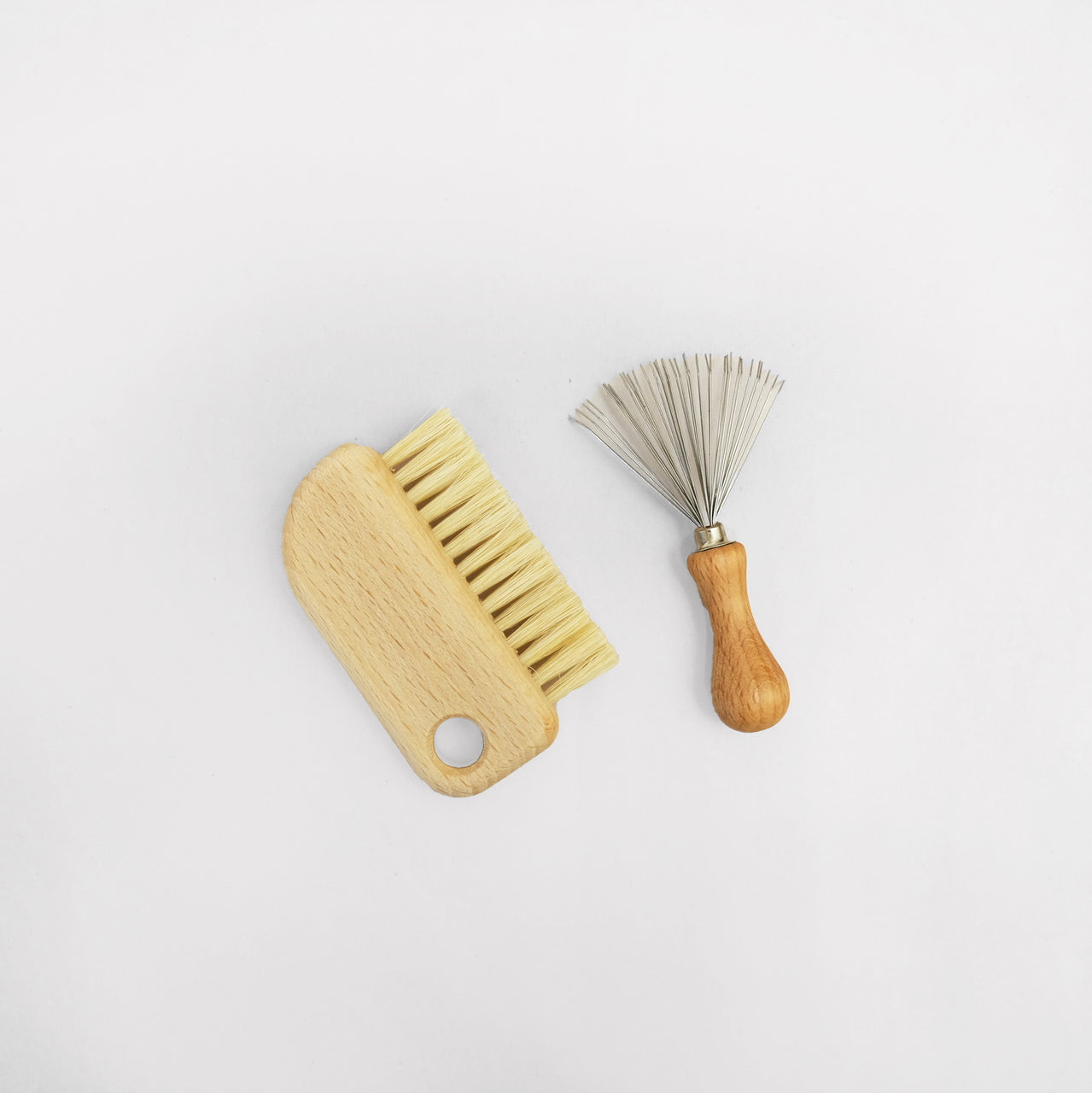 Hairbrush & Comb Cleaning Set