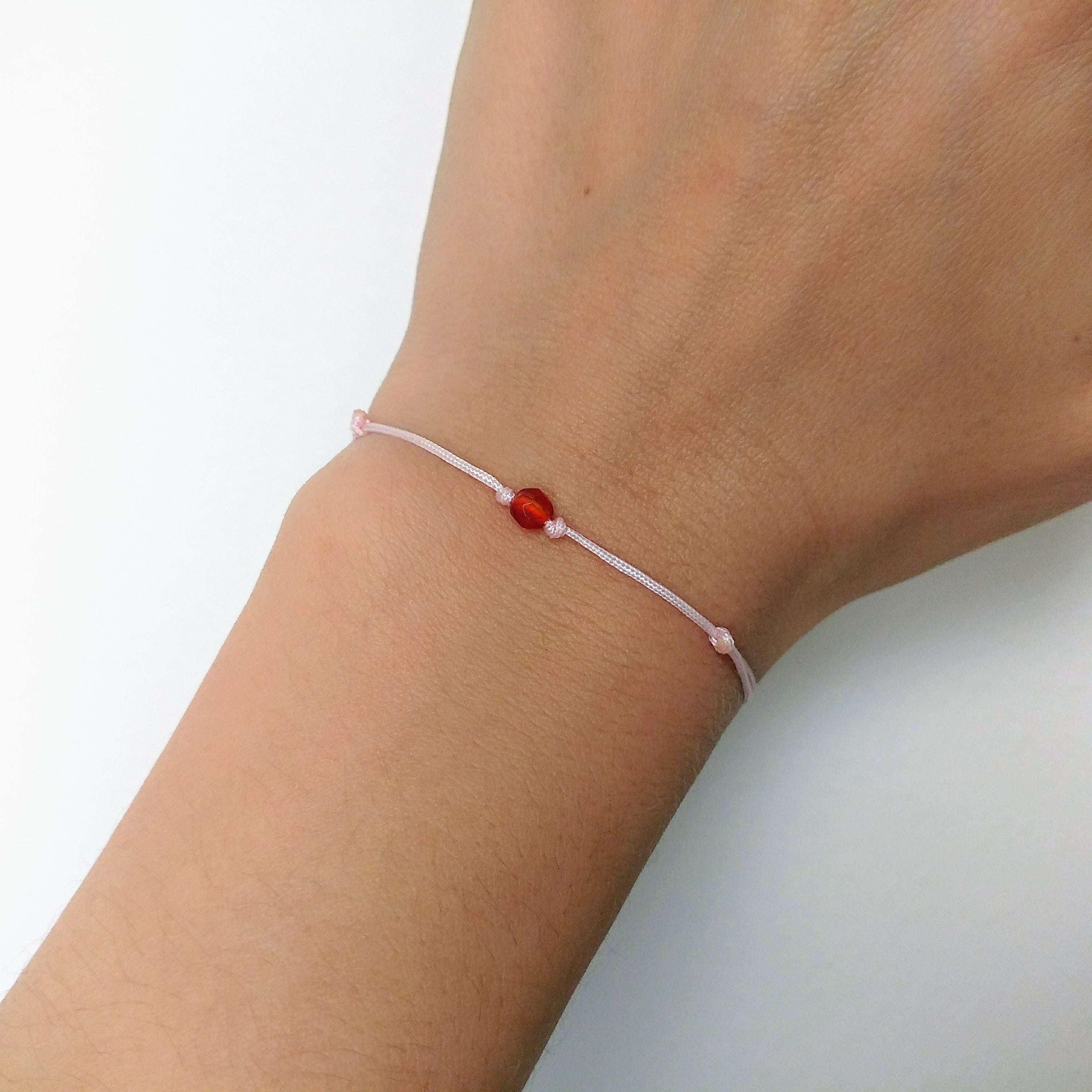 Minimalistisches Karneol Armband rosa rot