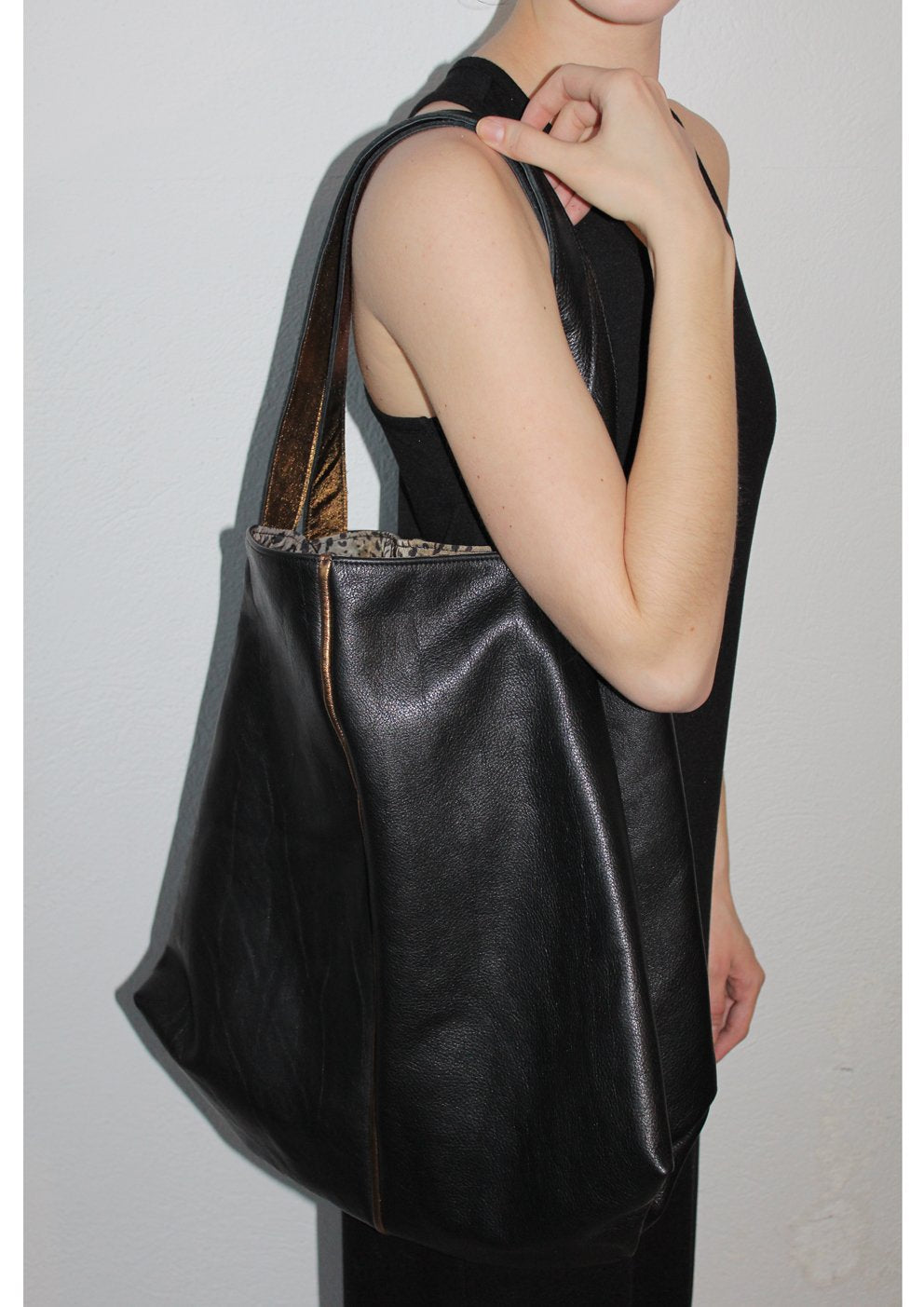 "XL Leder Shopper schwarz bronze ""Trape"""