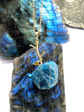 Load image into Gallery viewer, apatite gold necklace