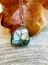Load image into Gallery viewer, labradorite jewellery, gemstone necklace, handmade by full moon deisgns, brixton jewellery shop