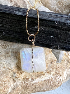 moonstone gemstone necklace natural jewellery
