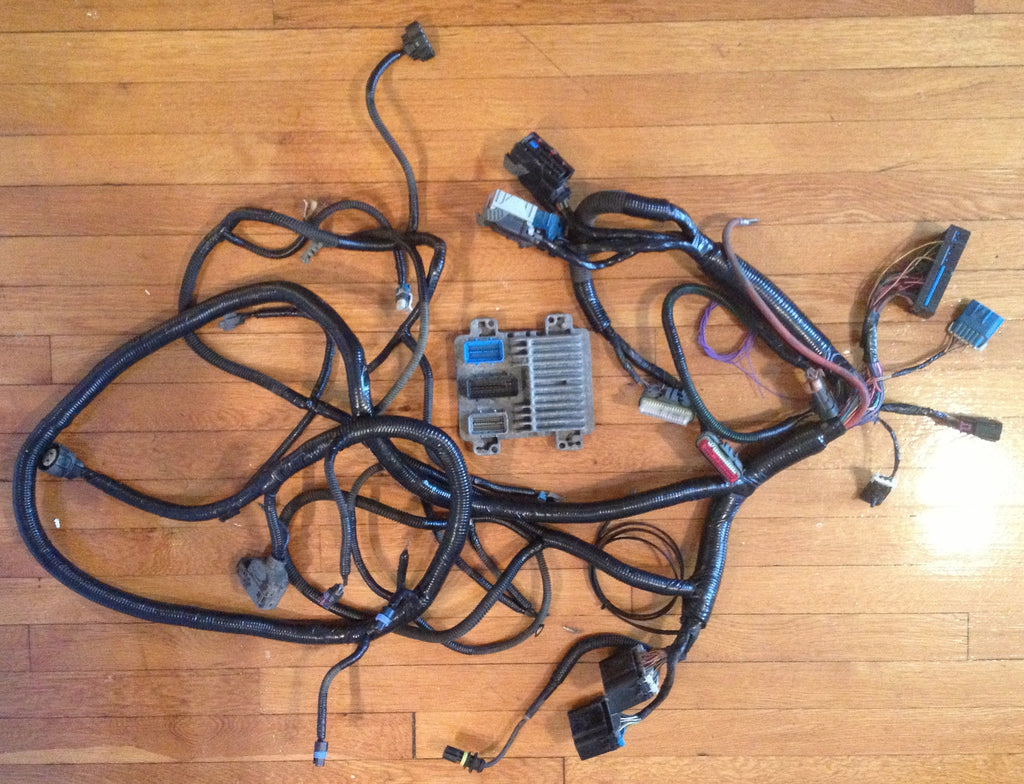 IMG_5708_1024x1024?v=1424460172 bt dieselworks 2001 2002 lb7 to 2006 2007 lbz conversion harness duramax lbz engine wiring harness at gsmportal.co