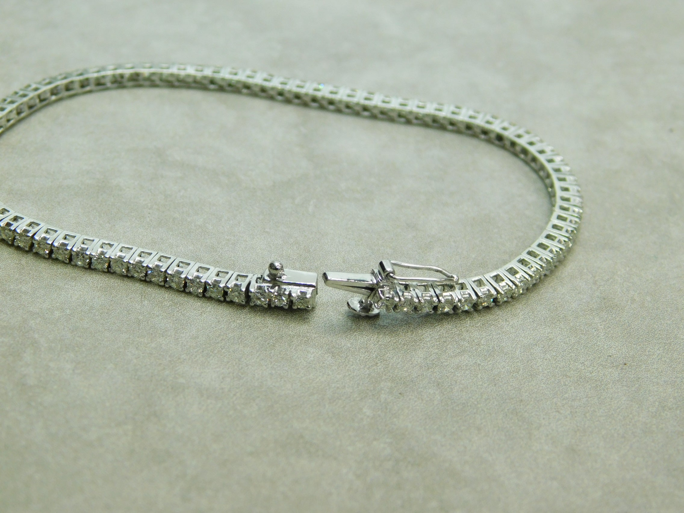Ladies Tennis Bracelet