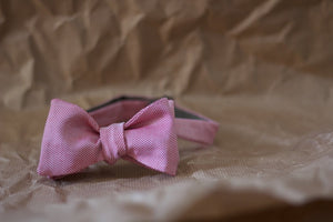 Noodles Bow Ties 100% Cotton  Red and white, almost a pied de poule Handcrafted in Italy coated metal hardware  olive green gabardine inside hand-stitched labels handmade boxes self-tie bow ties