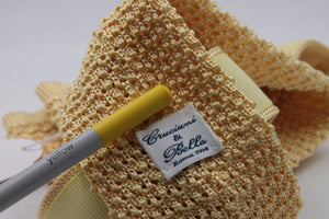 Egg Yellow knitted tie